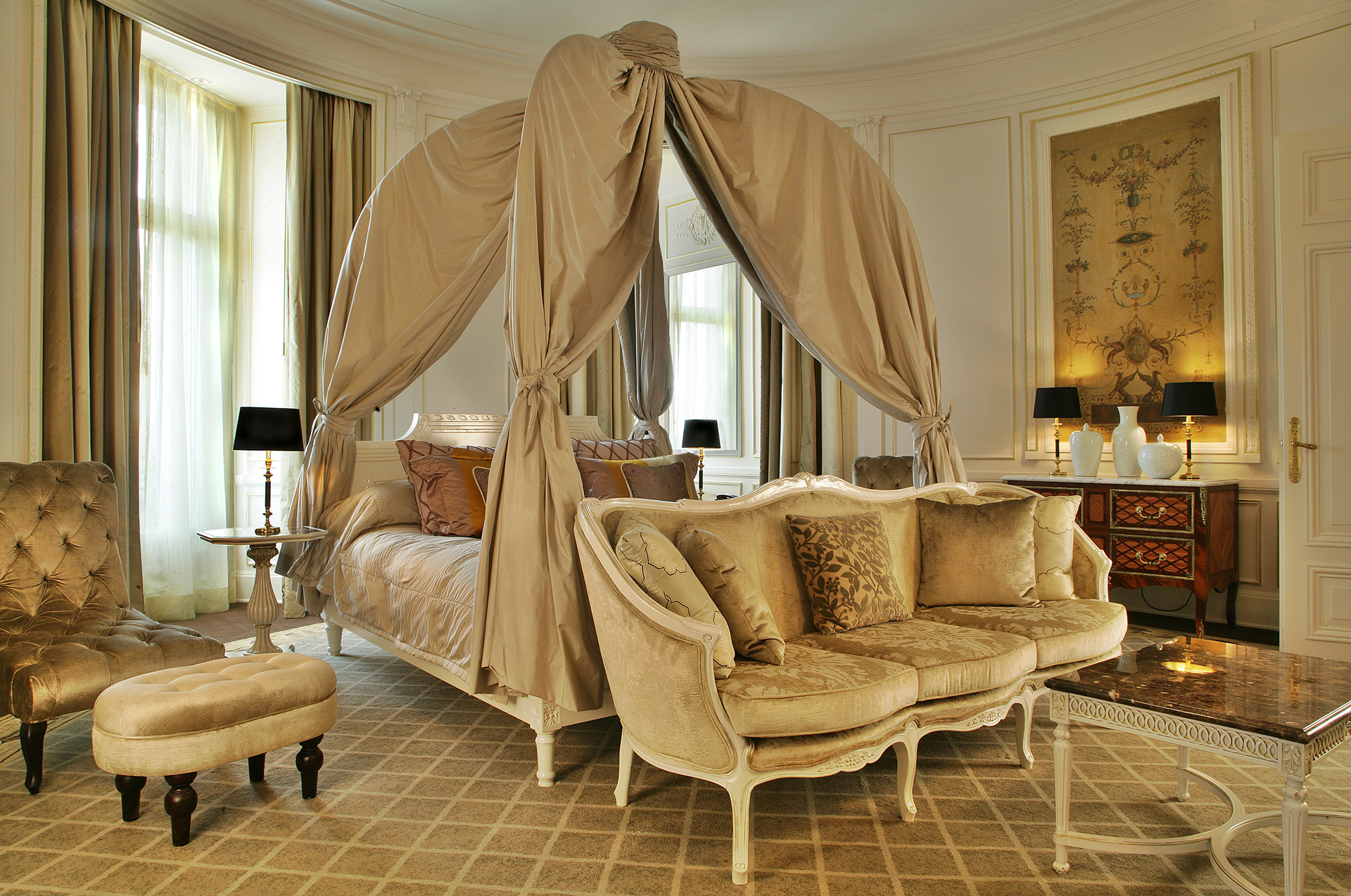 467/import-from-v1/images/Chambres/Suite Royale/146-Chambre.jpg