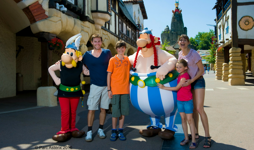 467/import-from-v1/images/Offres speciales/Offre parc asterix famille.png